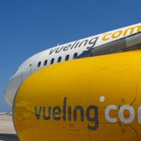 Vueling alcanza a Ryanair y amenaza su liderazgo en el aire